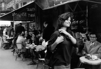 Claudia Cardinale in the street